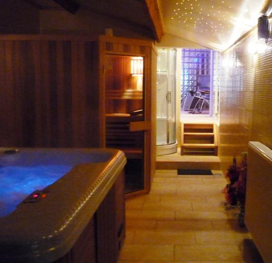 Le Jacuzzi et sauna